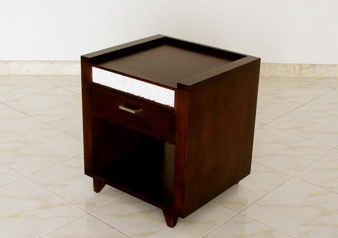 バリ彫刻が美しい サイドテーブル