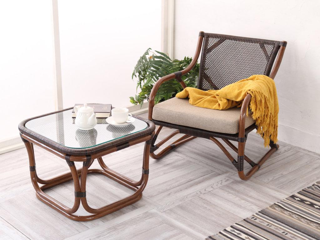 ラタンテーブルと椅子のセット(ブラウン)