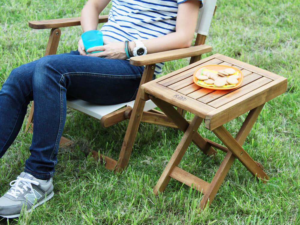 アカシア材折りたたみガーデンテーブル