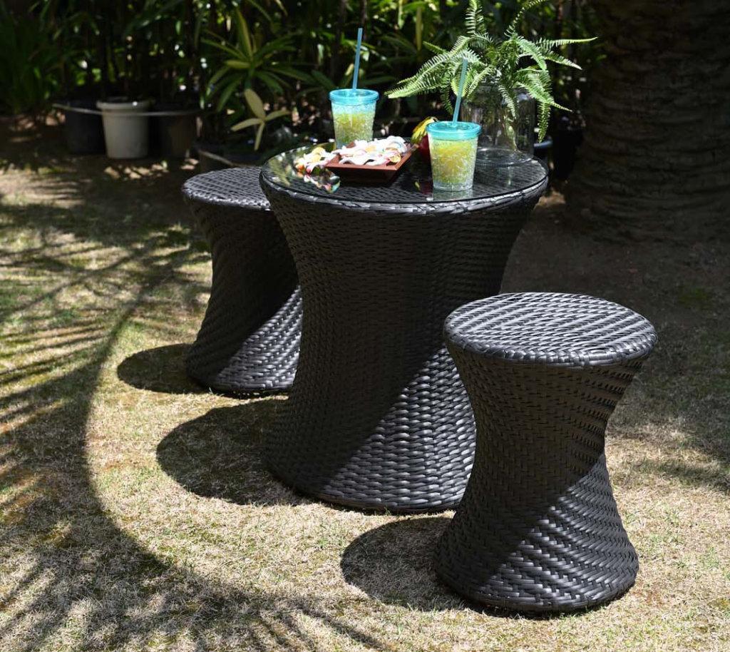 屋外におけるテーブルセット