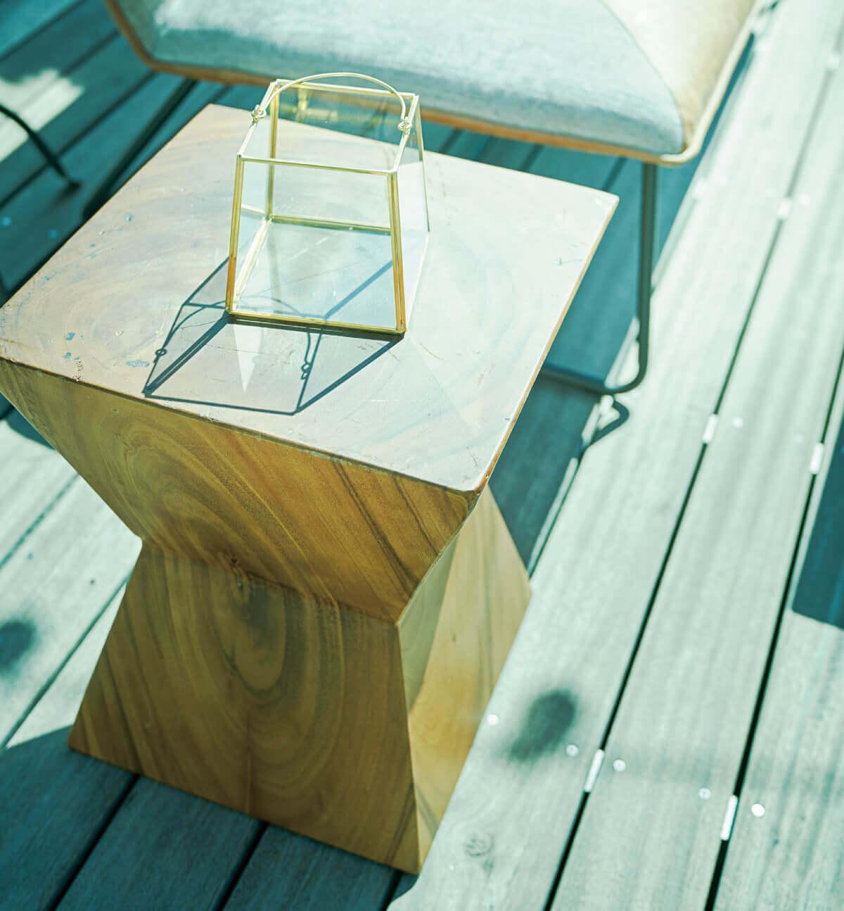 天然木を使用したウッドテーブルスツール